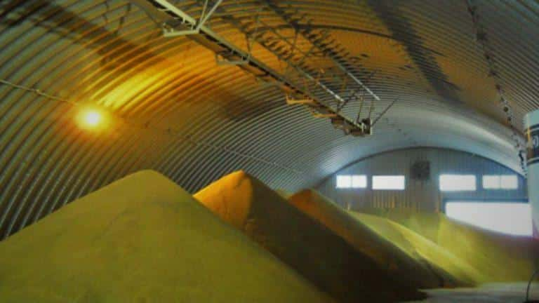 Зернохранилище в арочном ангаре
